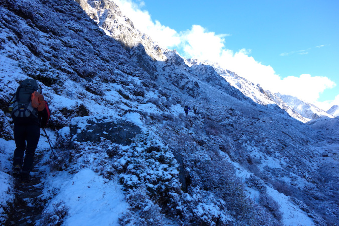 Hiking up from Khangpachen.