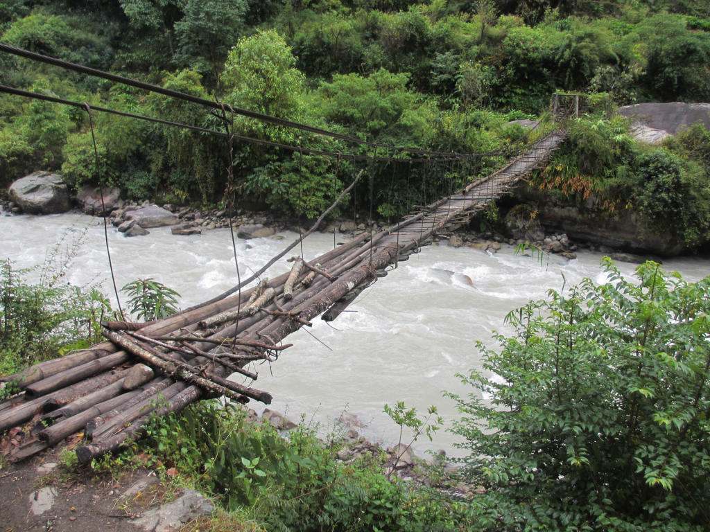Kanchenjunga-Trek-Bridge