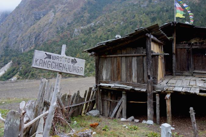signboard on the way to kanchenjunga Ghunsa